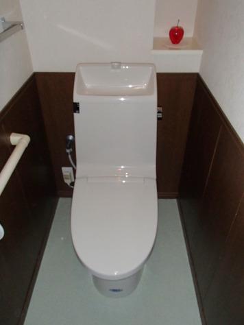 LIXIL(INAX)アメージュZシャワートイレ 『GBC-360PU+DT-M182PM』 色は『BN8_オフホワイト』です。 [内装材:クッションフロア(HM-2128)]