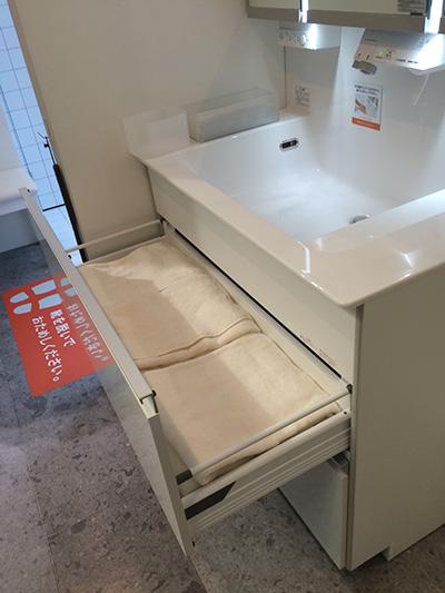 洗面台・パナソニック ウツクシーズのミラーキャビネット