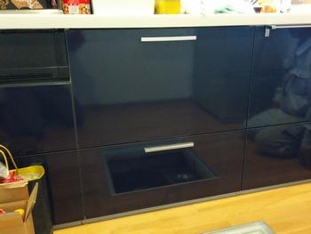 システムキッチンの幅75cm部分に食洗機を設置!