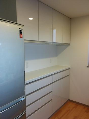 キッチンのカップボード新規設置工事、ご相談ください!