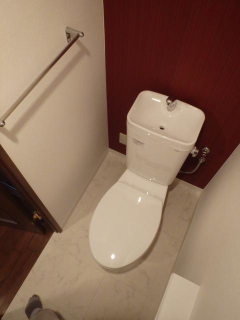 トイレのアクセントクロス工事事例のご紹介