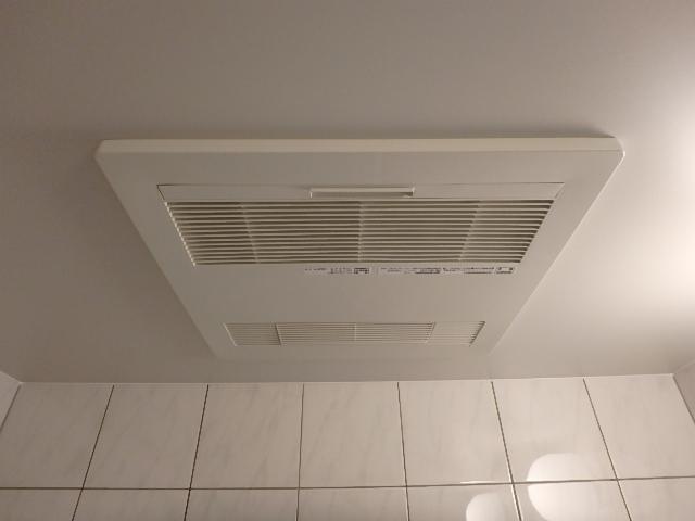 寒い冬はやっぱり浴室暖房機!