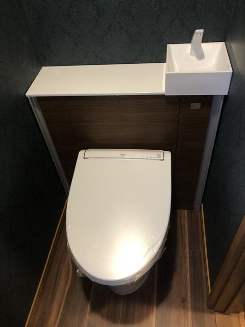 キャビネットトイレとWPBフロアでトイレ一新!