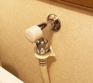 蛇口/ TOTO 緊急時止水機能付蛇口『ピタットくん』[洗濯機用水栓] /TW11R