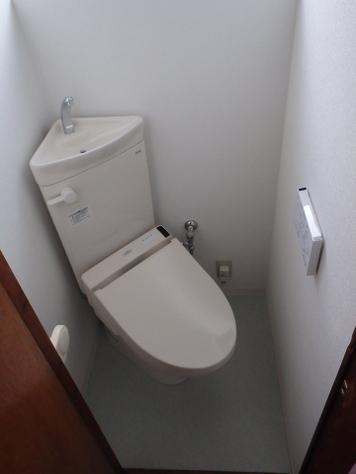 TOTO 和式トイレ改修用便器コンパクトリモデルトイレ『CS510BM+SS511BABFS』とTOTO ウォシュレットS1『TCF6521』