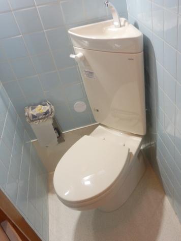 TOTO 和式トイレ改修専用便器コンパクトリモデルトイレ『CS510BM+SS511BABFS』とTOTO 普通便座『TC300』