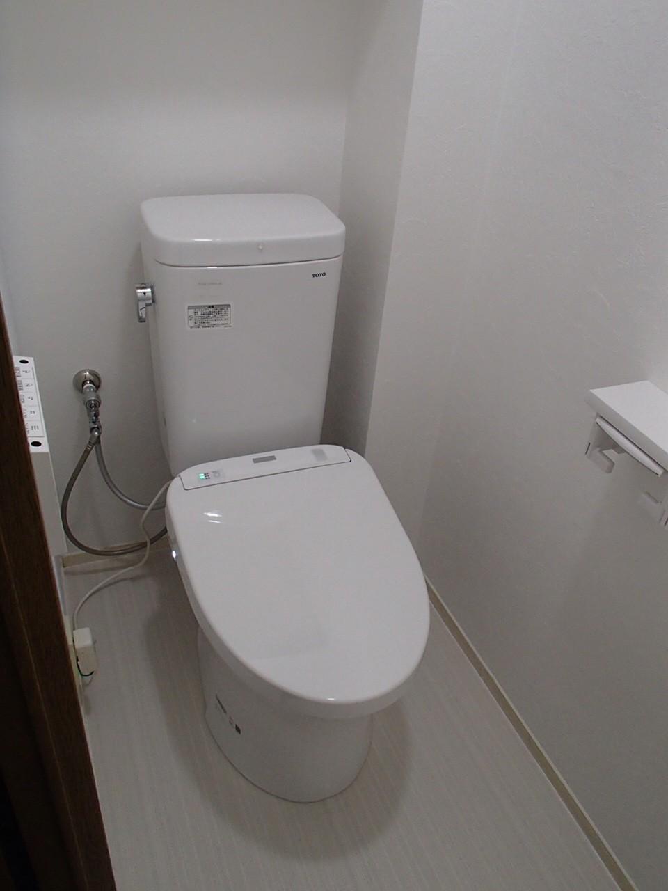 コンパクトなトイレリフォーム施工事例